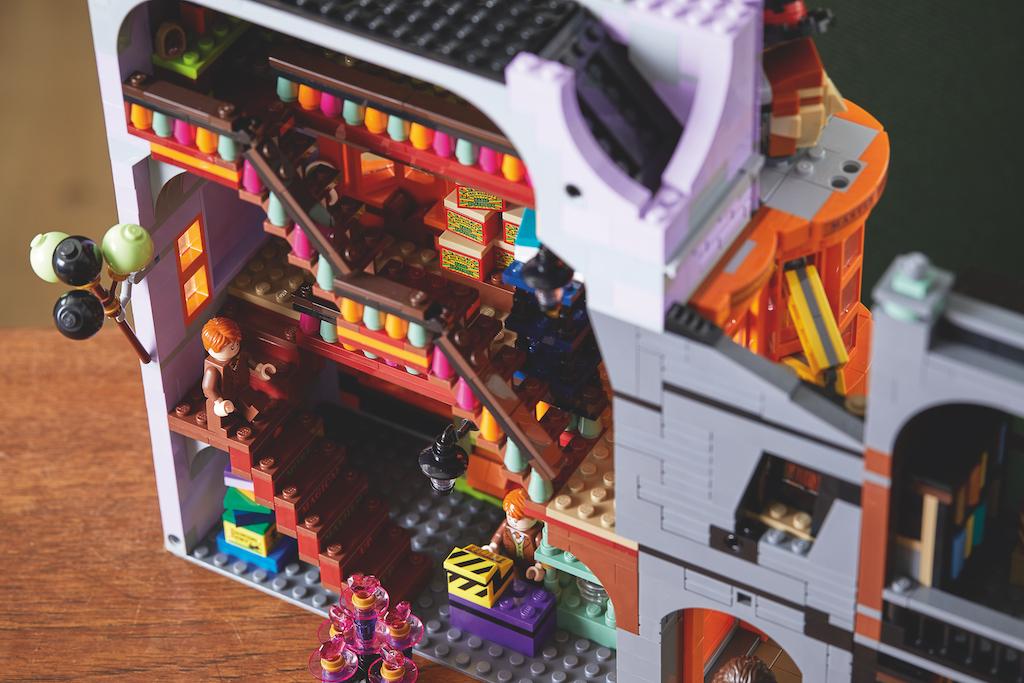75978 Diagon Alley LEGO Harry Potter Lifestyle Resized 14