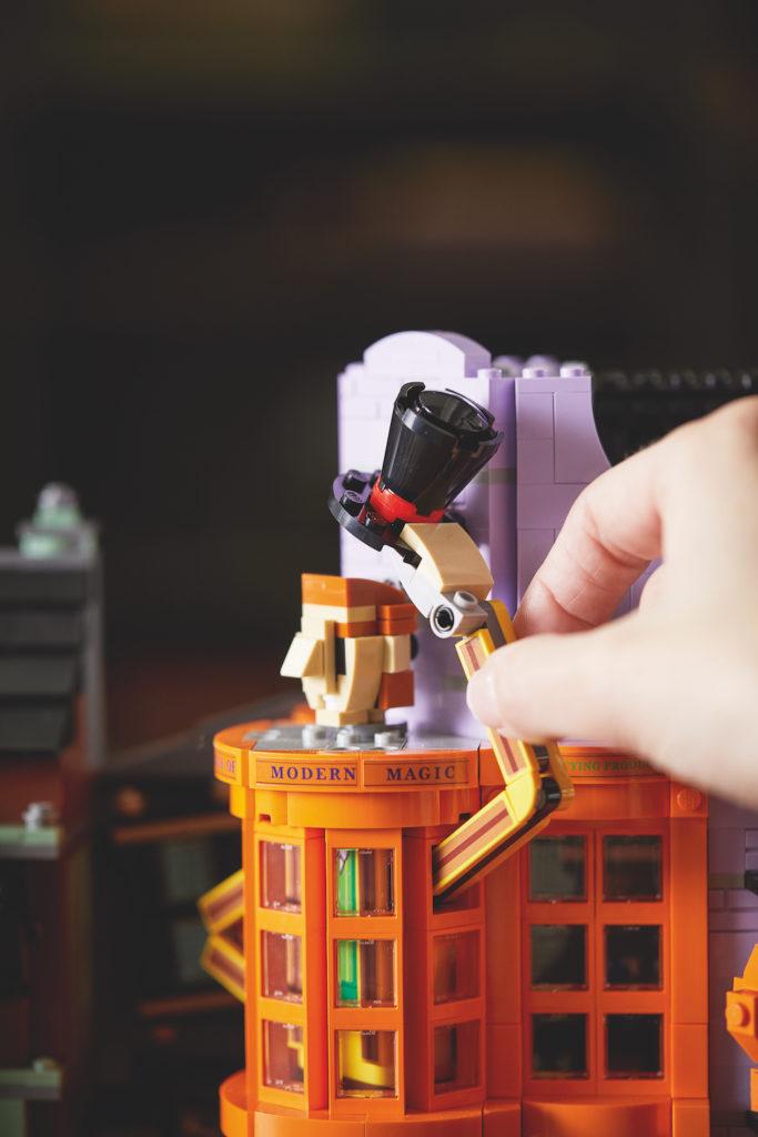 75978 Diagon Alley LEGO Harry Potter Lifestyle Resized 2