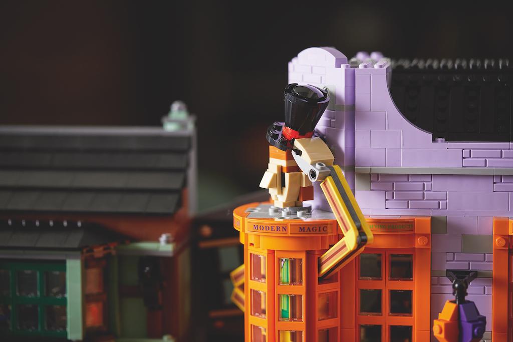 75978 Diagon Alley LEGO Harry Potter Lifestyle Resized 3