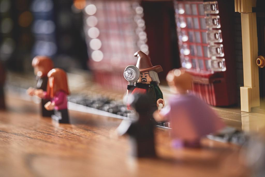 75978 Diagon Alley LEGO Harry Potter Lifestyle Resized 5