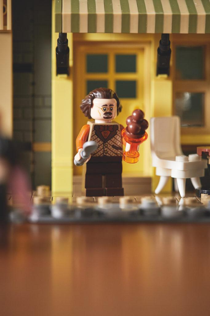 75978 Diagon Alley LEGO Harry Potter Lifestyle Resized 6
