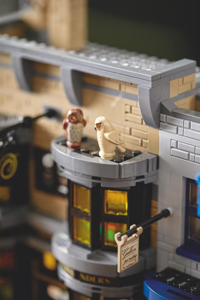 75978 Diagon Alley LEGO Harry Potter Lifestyle Resized 8