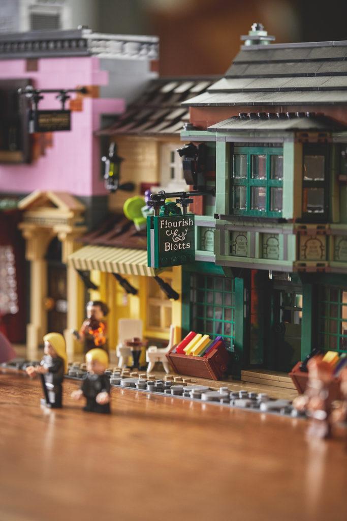 75978 Diagon Alley LEGO Harry Potter Lifestyle Resized 9