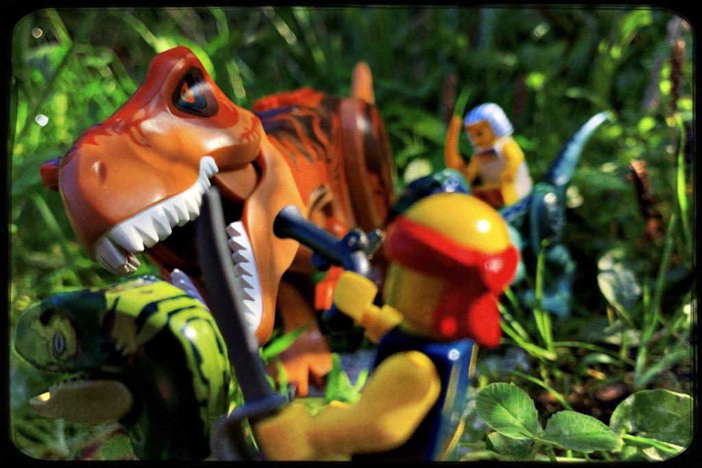 Brick Pic Dino Attack