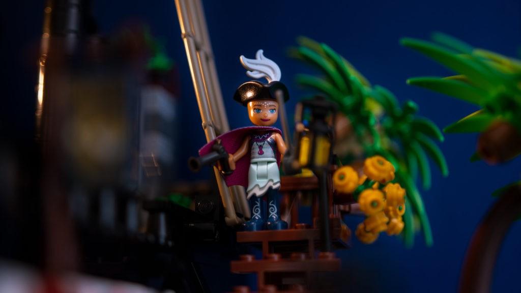 Brick Pic Mini Doll Pirate