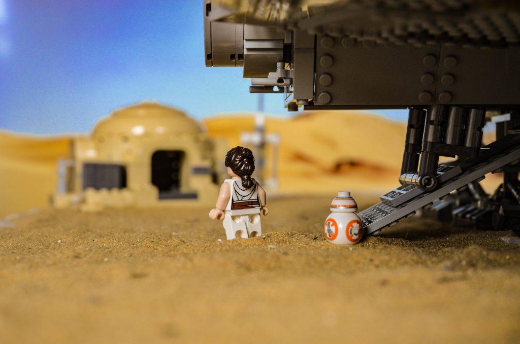 Brick Pic Rey Tattooine