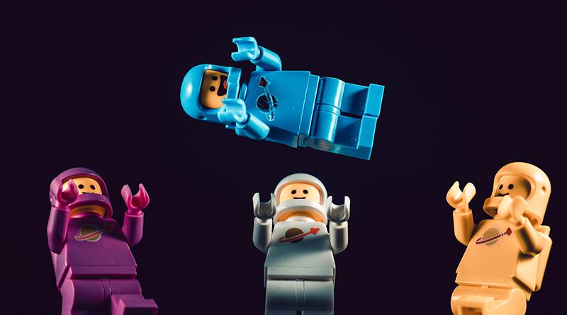 Brick Pic Spacemen Featured