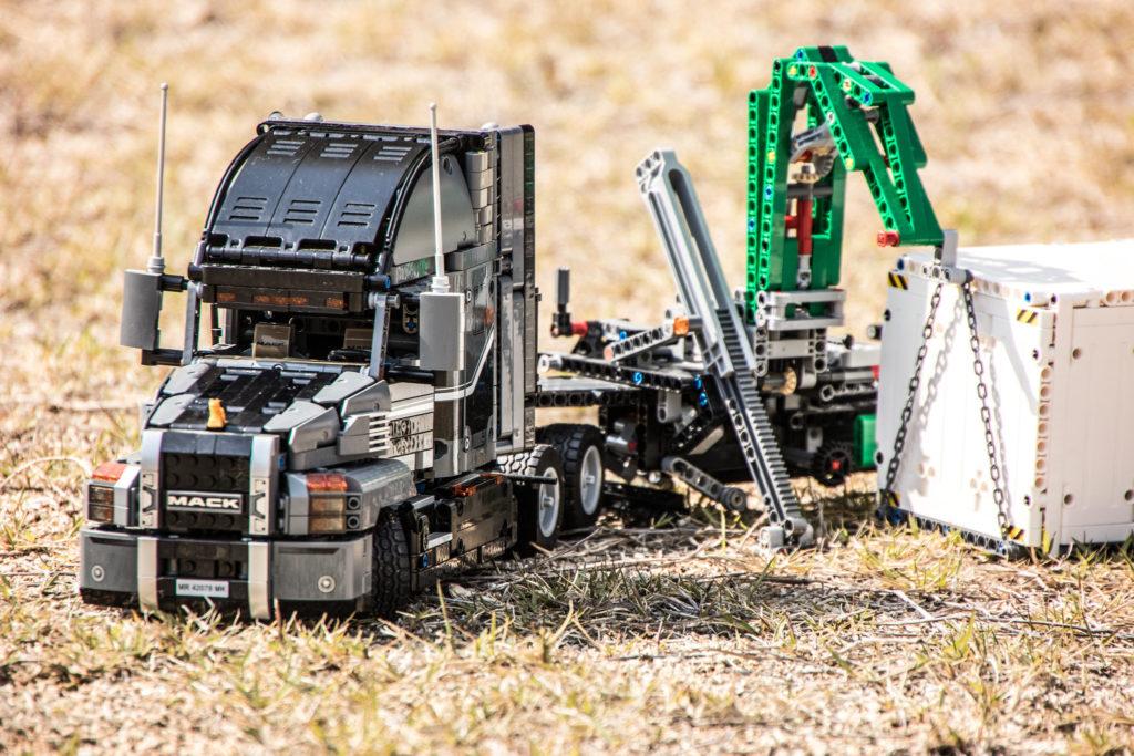 Brick Pic Technic Farm