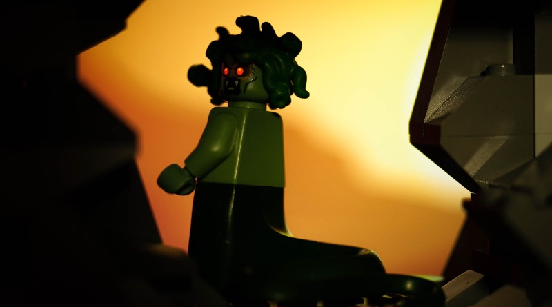 Brick Pic Of The Day Lair Of The Gorgon Featured