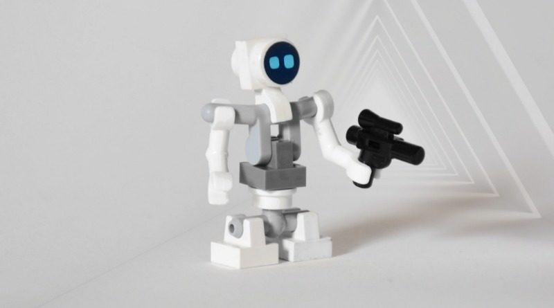 Brick Pic of the Day Lit L Droid featured