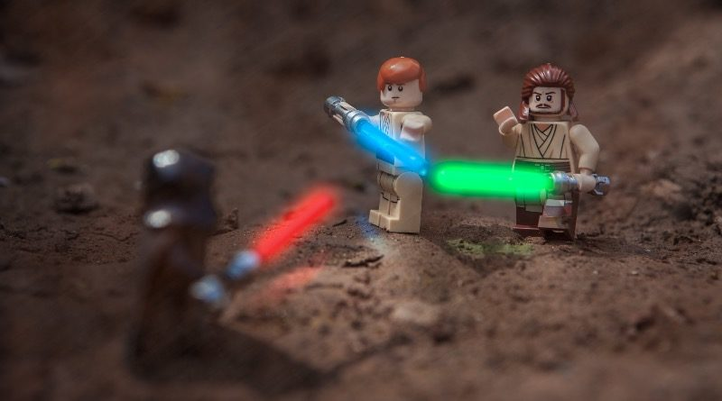 Brick Pic of the Day Master and Padawan featured