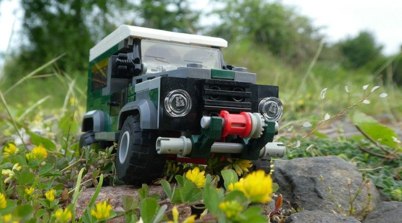 Brick pic land rover defender featured