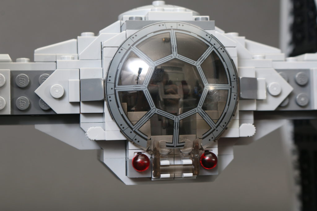 Build A LEGO Mandalorian Outland Folding TIE Fighter 27