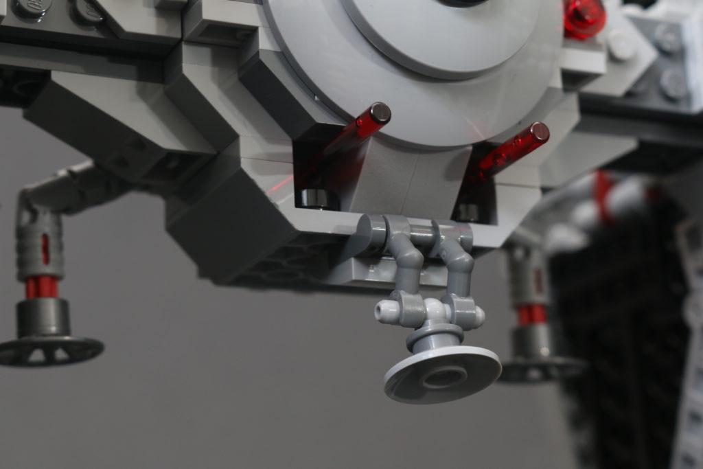 Build A LEGO Mandalorian Outland Folding TIE Fighter 32