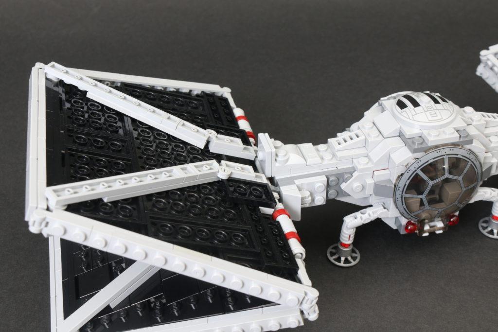 Build A LEGO Mandalorian Outland Folding TIE Fighter 39