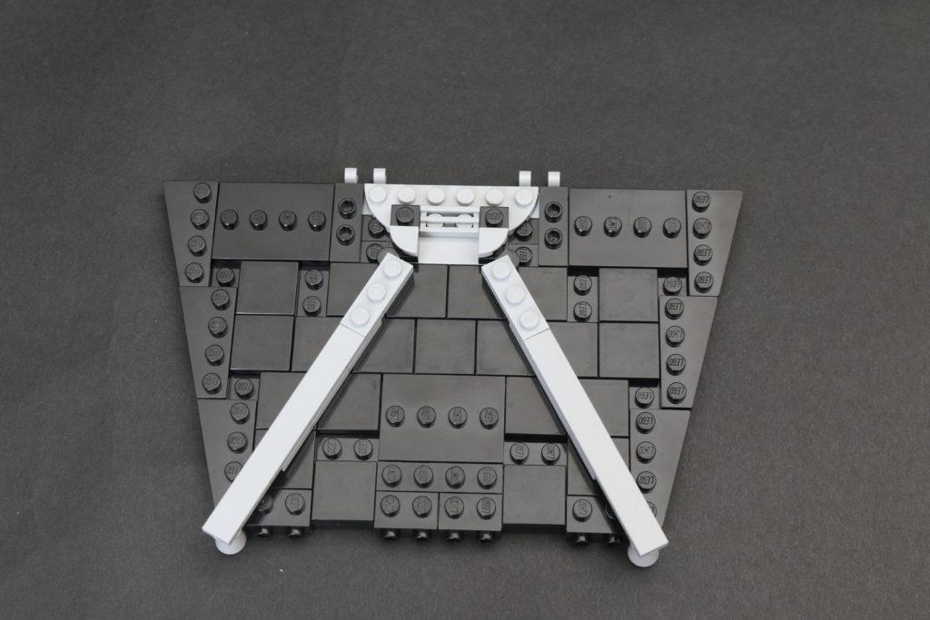 Build A LEGO Mandalorian Outland Folding TIE Fighter 4