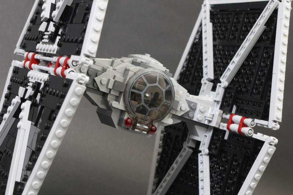 Build A LEGO Mandalorian Outland Folding TIE Fighter 45 1