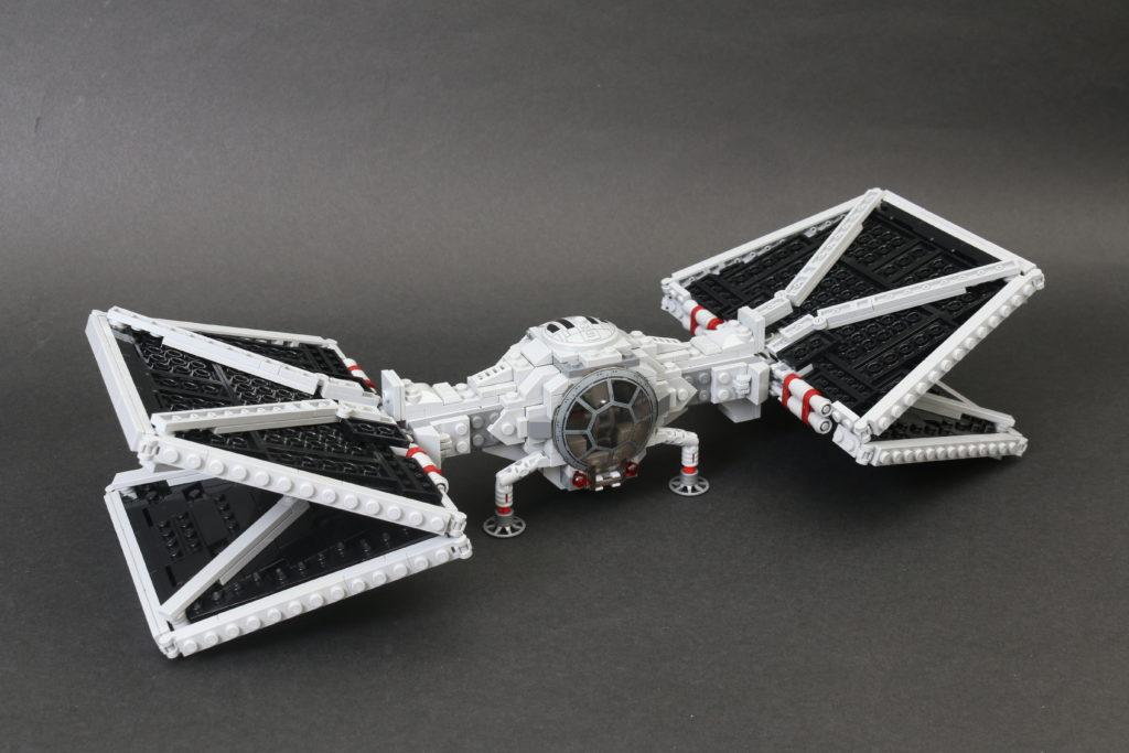 Build A LEGO Mandalorian Outland Folding TIE Fighter 59