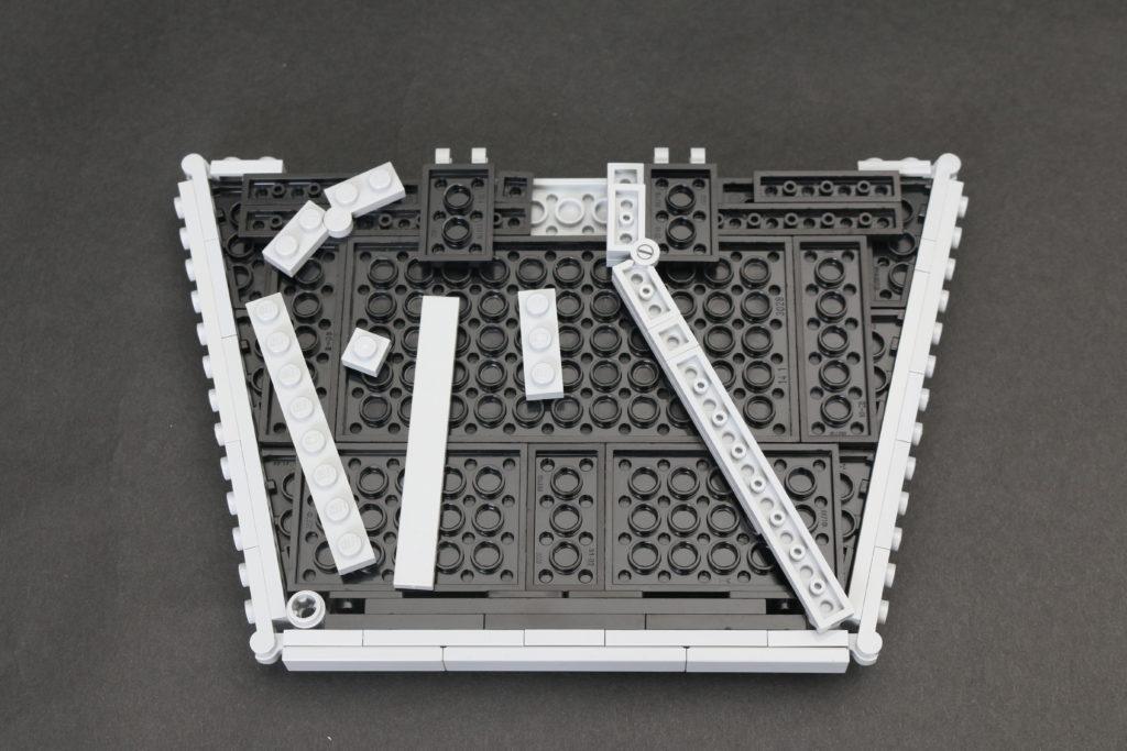 Build A LEGO Mandalorian Outland Folding TIE Fighter 9