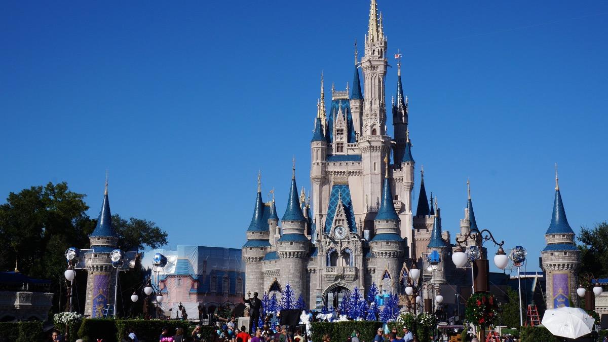 Disney Castle Magic Kingdom Featured 1