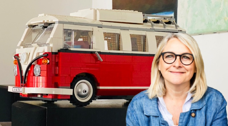 Emma Kennedy LEGO Display Sets Featured