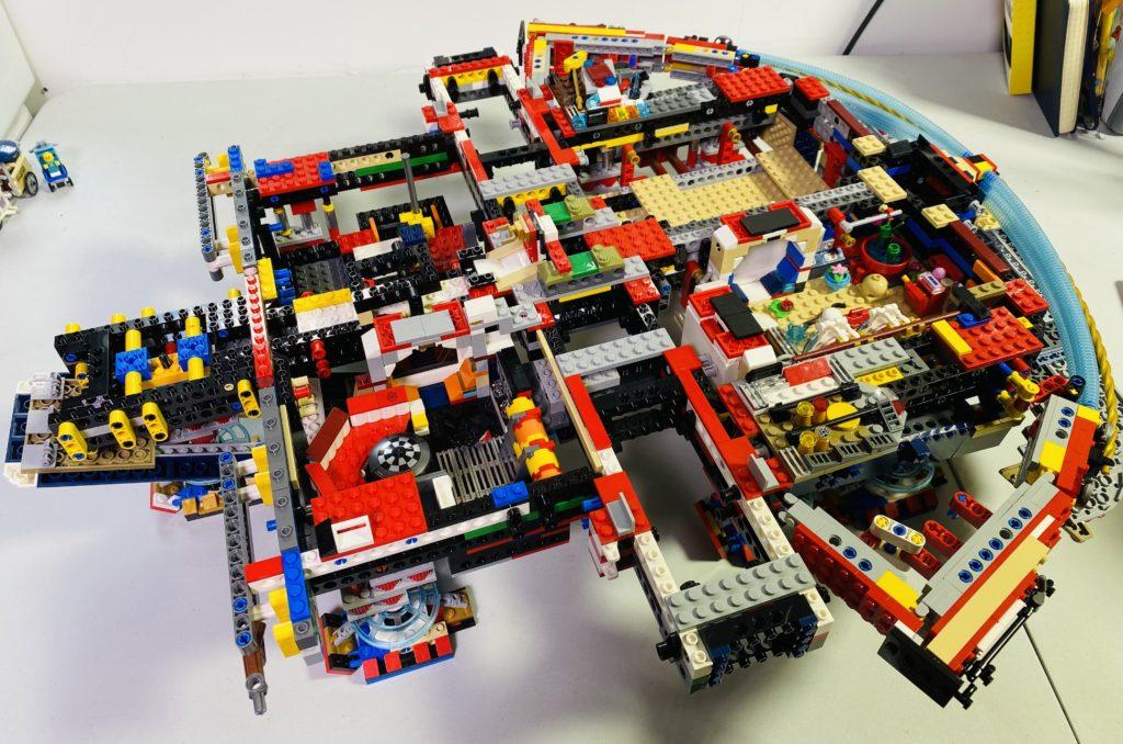 Emma Kennedy LEGO Star Wars Liza Minnellium Falcon 1