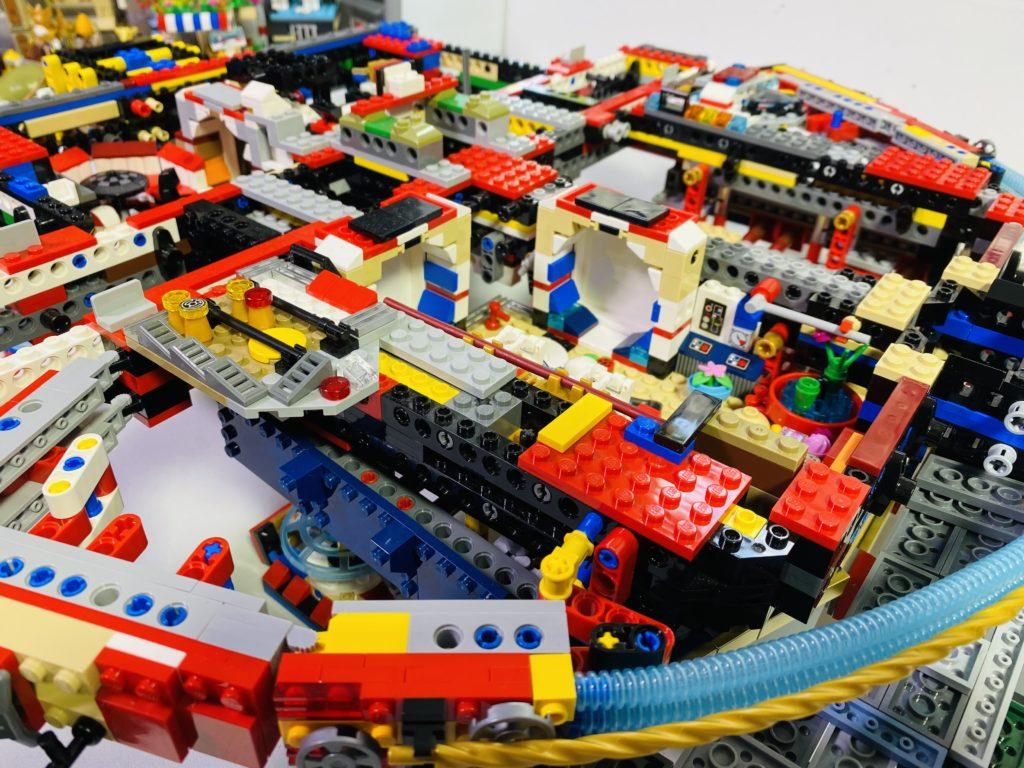 Emma Kennedy LEGO Star Wars Liza Minnellium Falcon 2