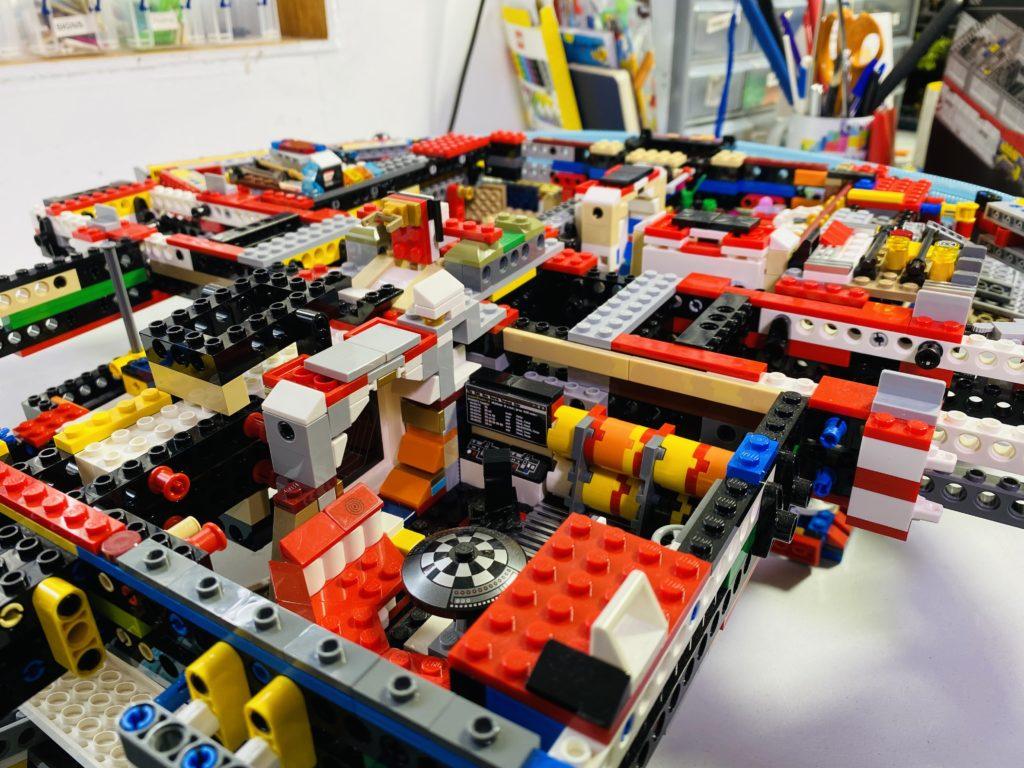 Emma Kennedy LEGO Star Wars Liza Minnellium Falcon 3