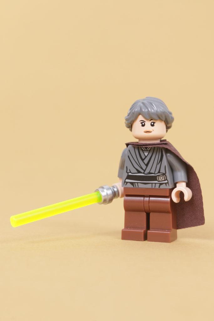 How to build a LEGO Star Wars Jedi Bob 75309 UCS Republic Gunship minifigure 7