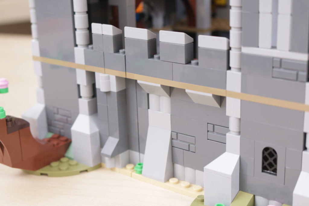 How to improve LEGO Creator 3 in 1 31120 Medieval Castle 17