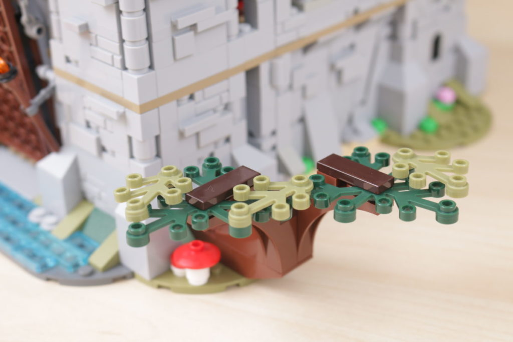 How to improve LEGO Creator 3 in 1 31120 Medieval Castle 18