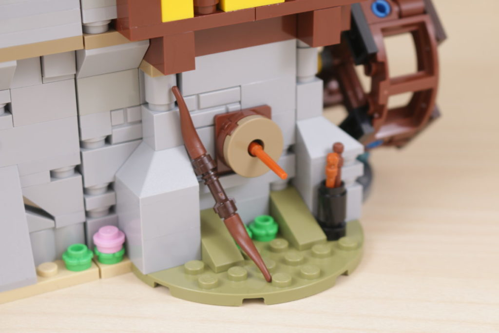How to improve LEGO Creator 3 in 1 31120 Medieval Castle 21