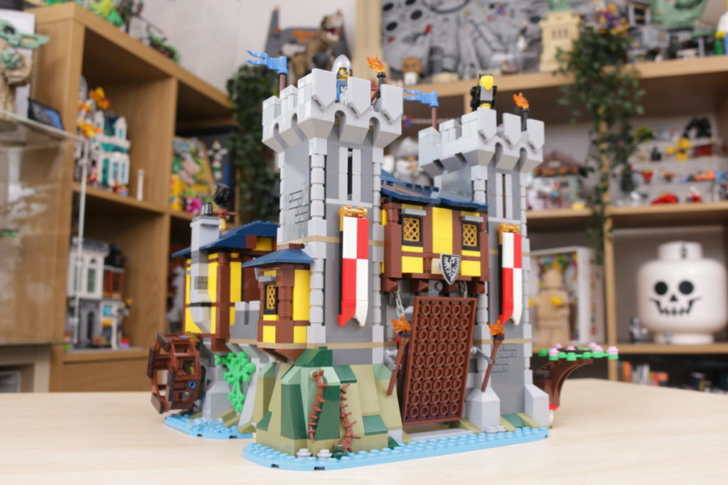 How to improve LEGO Creator 3 in 1 31120 Medieval Castle 27
