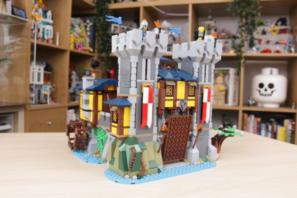 How to improve LEGO Creator 3 in 1 31120 Medieval Castle 28