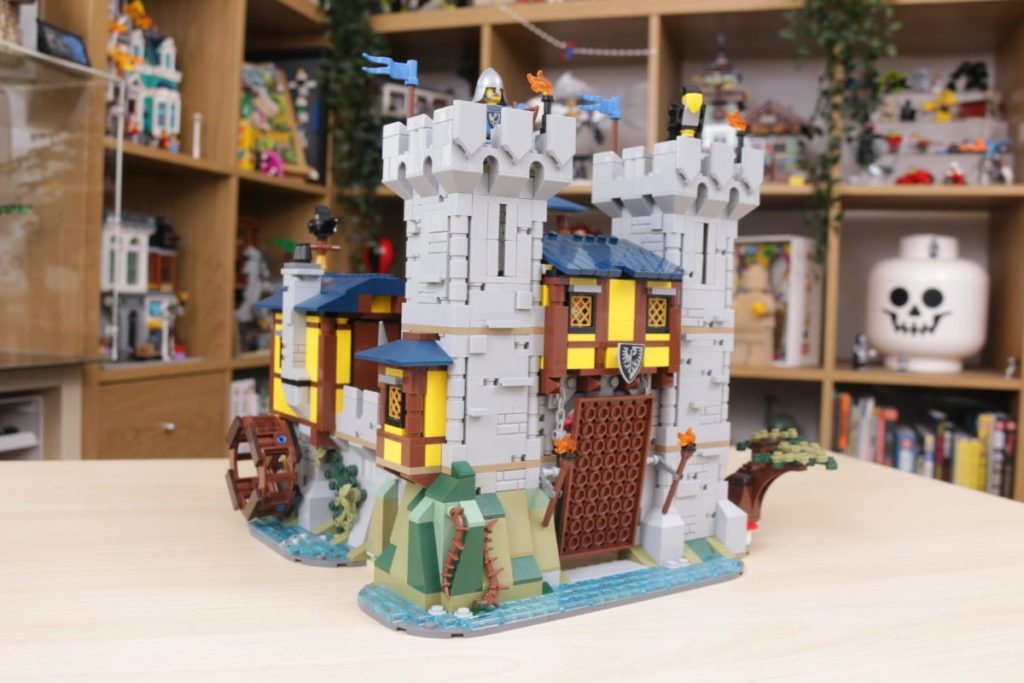 How to improve LEGO Creator 3 in 1 31120 Medieval Castle 29