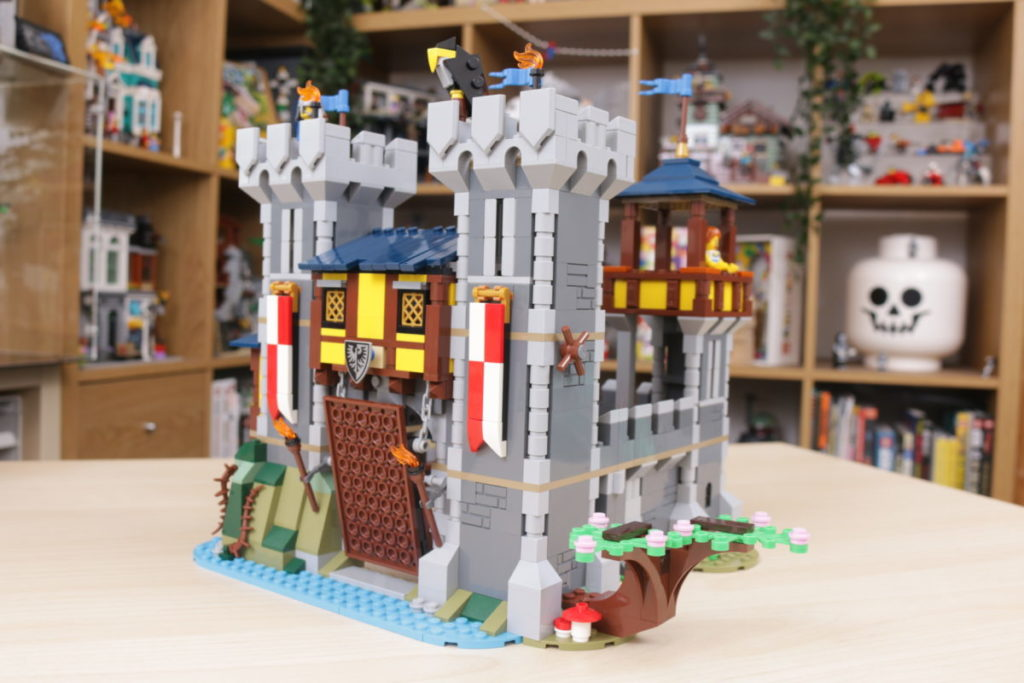 How to improve LEGO Creator 3 in 1 31120 Medieval Castle 31