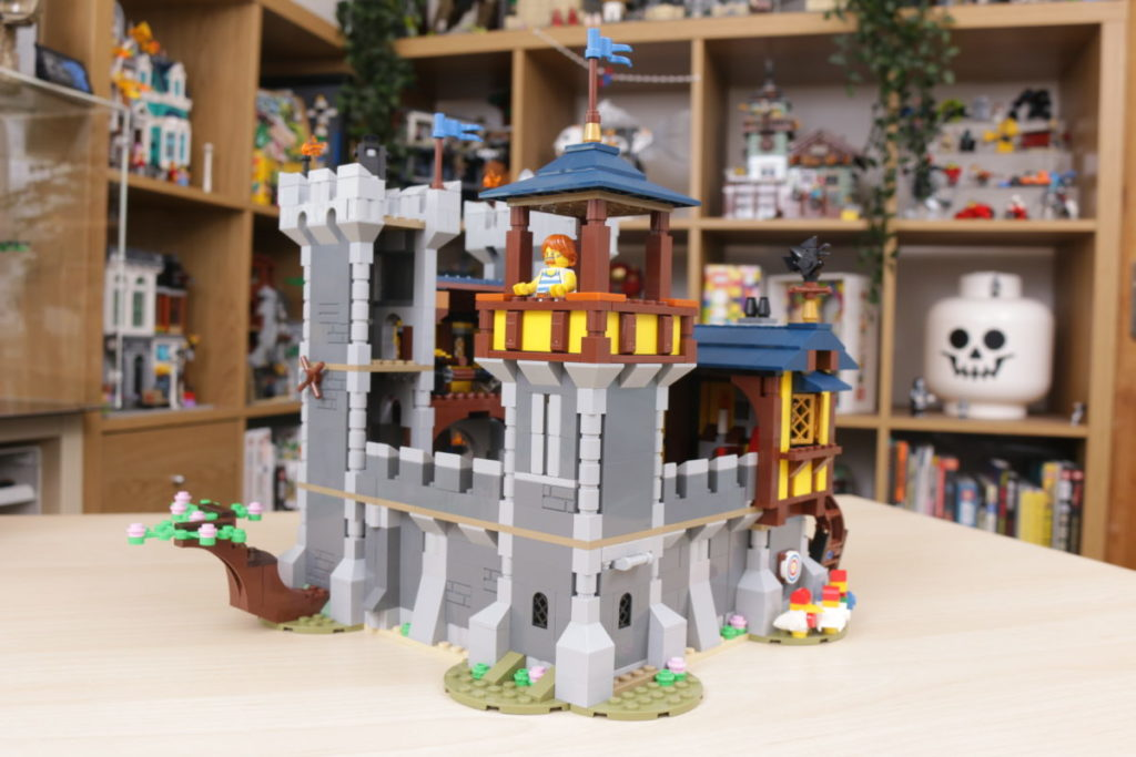 How to improve LEGO Creator 3 in 1 31120 Medieval Castle 32