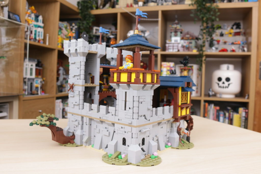 How to improve LEGO Creator 3 in 1 31120 Medieval Castle 33
