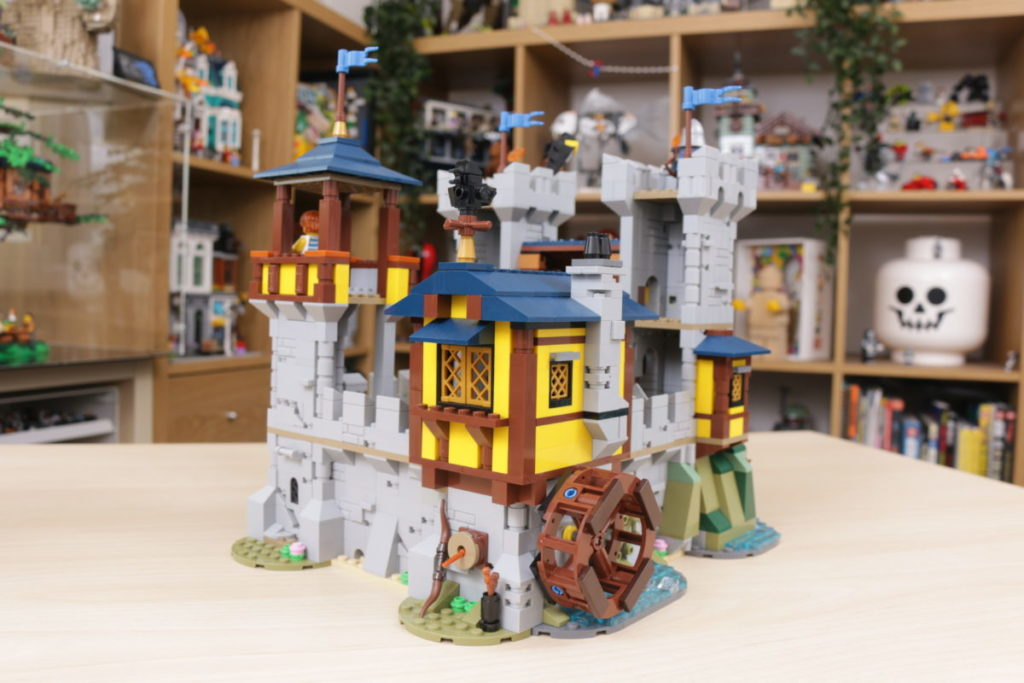 How to improve LEGO Creator 3 in 1 31120 Medieval Castle 34