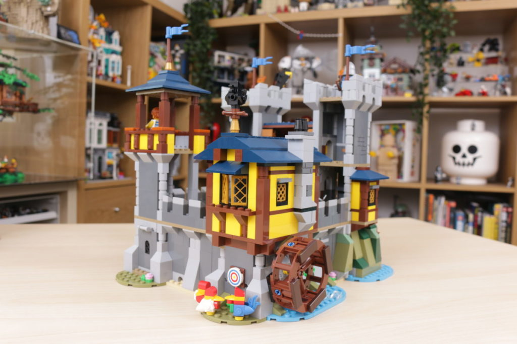 How to improve LEGO Creator 3 in 1 31120 Medieval Castle 35