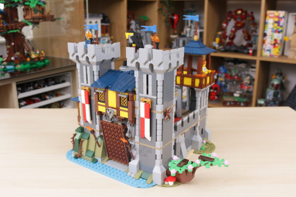 How to improve LEGO Creator 3 in 1 31120 Medieval Castle 36