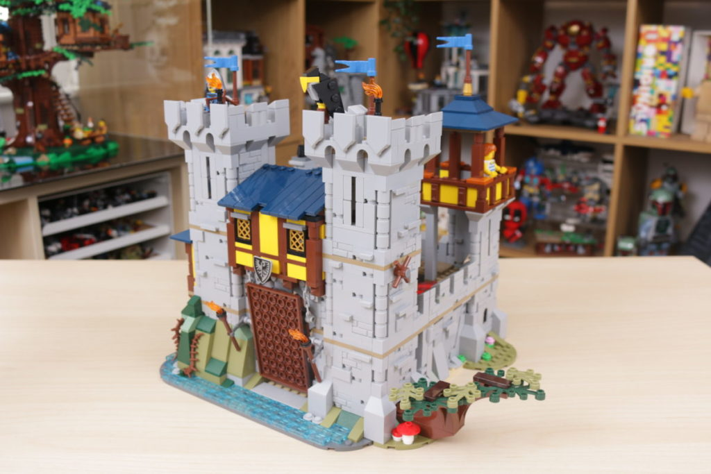How to improve LEGO Creator 3 in 1 31120 Medieval Castle 37