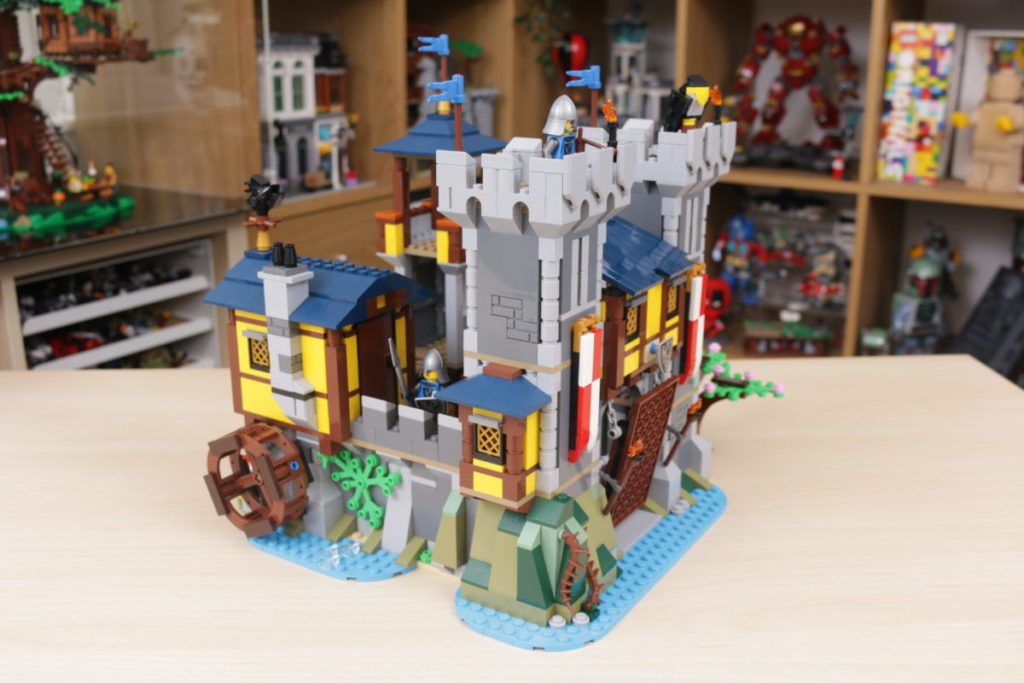 How to improve LEGO Creator 3 in 1 31120 Medieval Castle 38