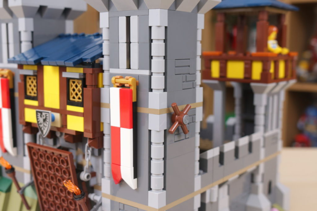 How to improve LEGO Creator 3 in 1 31120 Medieval Castle 41