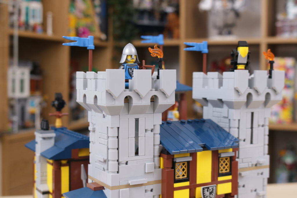 How to improve LEGO Creator 3 in 1 31120 Medieval Castle 44