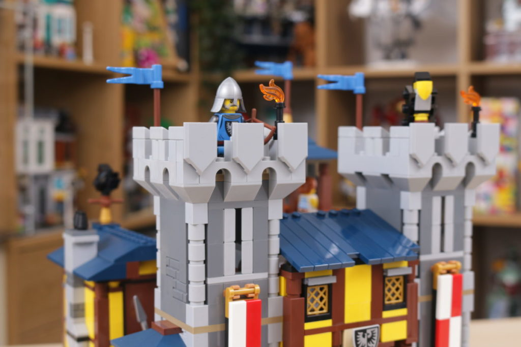 How to improve LEGO Creator 3 in 1 31120 Medieval Castle 45