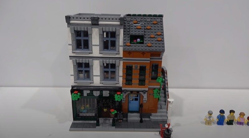 LEGO 10264 Alternate Build Featured 800x445