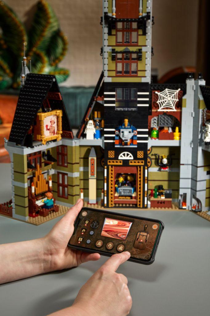 LEGO 10273 Haunted House 26