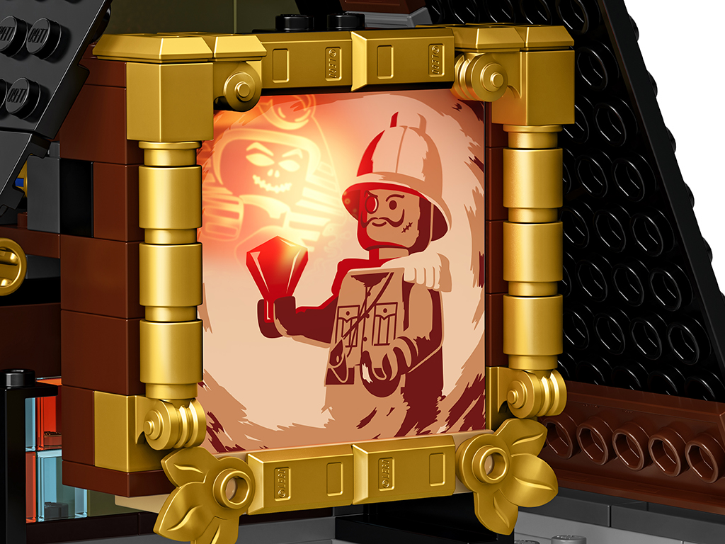 LEGO 10273 Haunted House Details 3