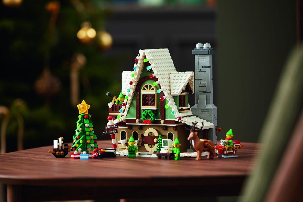 LEGO 10275 Elf Club House 24